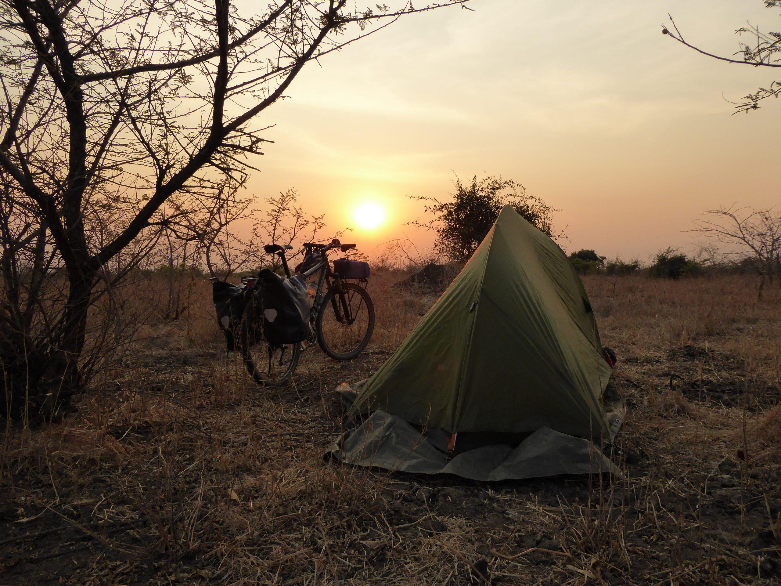 Radreise Afrika 2014 - Zeltplatz in der Wildnis