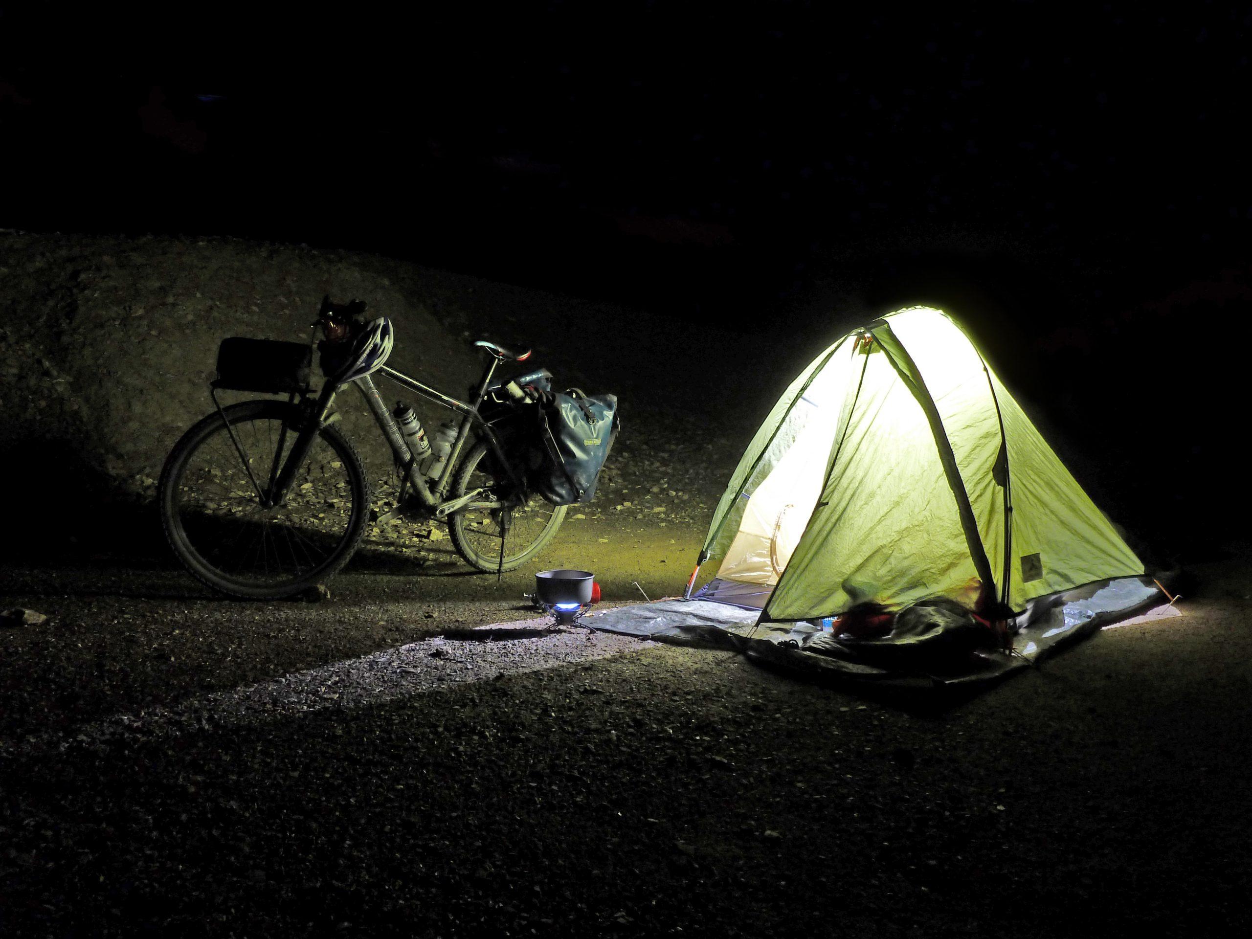 Radreise Ladakh 2012 - Zeltplatz im Flussbett des Wakha