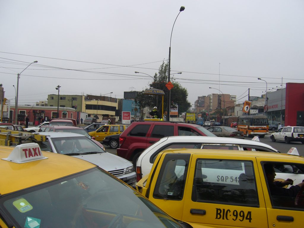 Radreise Peru 2008 - Verkehr in Lima