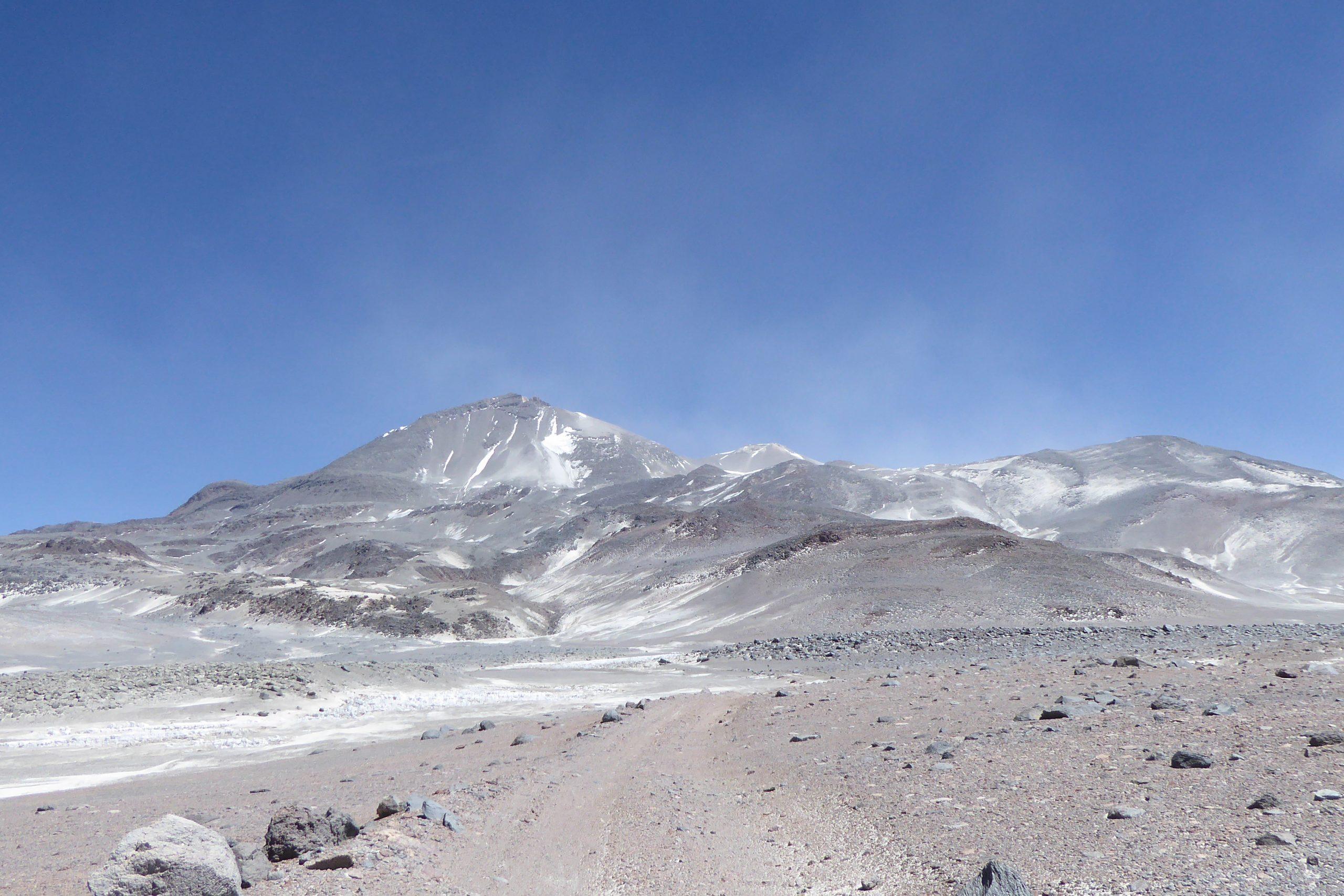 Radreise Südamerika 2019 - Sandsturm am Ojos de Salado (6.893m)