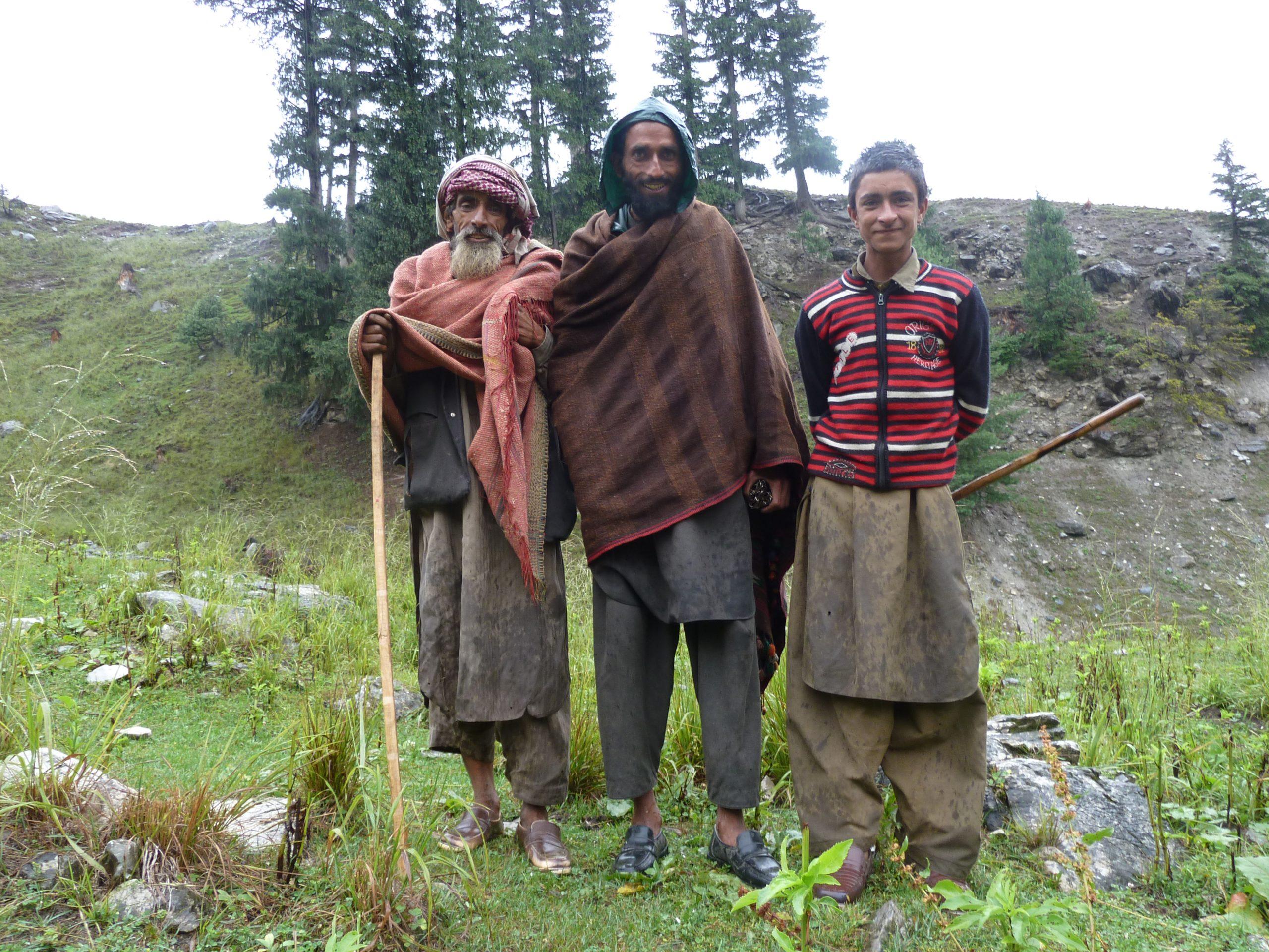 Radreise Ladakh 2012 - Schafhirten-Familie am Zelt